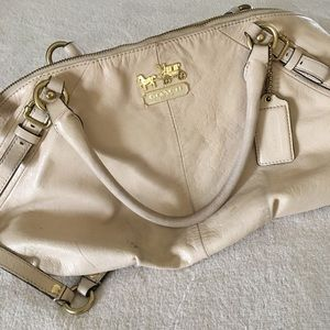 Soft leather Coach bag in a cream color